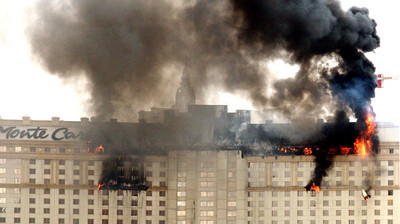 Monte Carlo Fire Forces Out Thousands Las Vegas Review