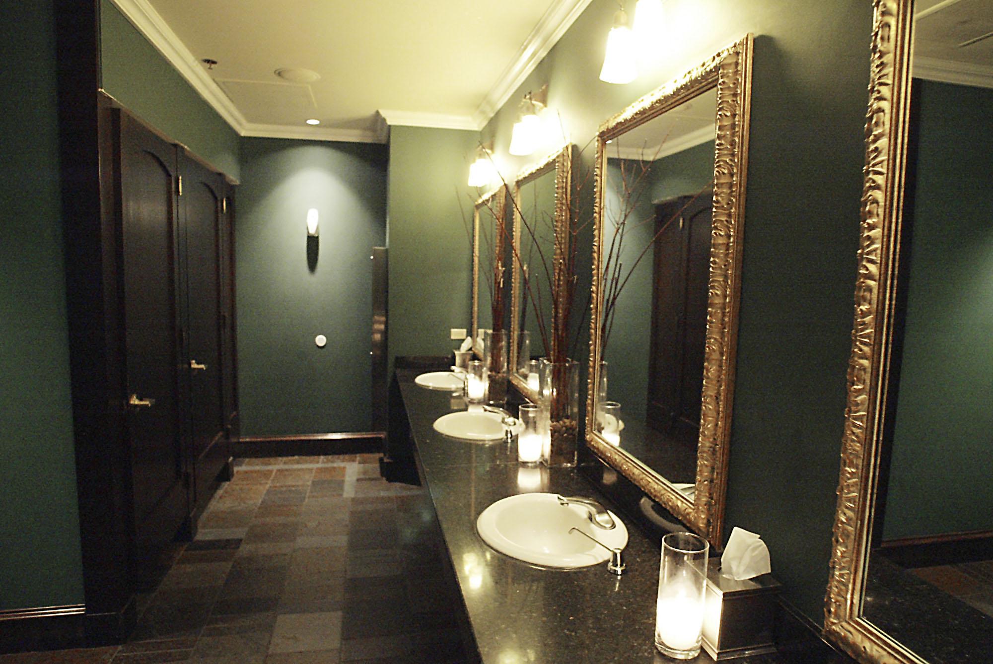 Experts suggest best restrooms las vegas review journal for Best bathrooms vegas