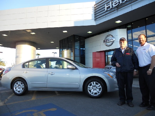 Couple Chooses Nissan Altima For Fuel Economy