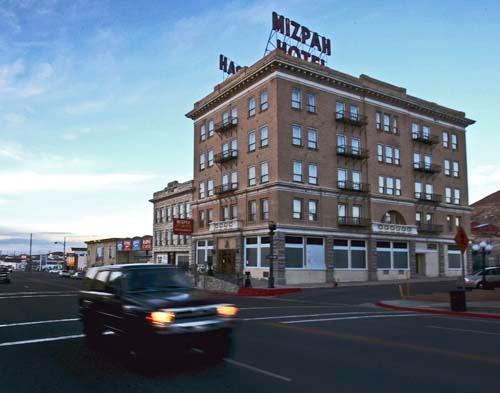 Historic Mizpah Hotel In Tonopah Gets New Life Las Vegas