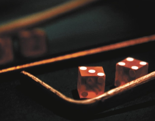 What is string betting in texas holdem