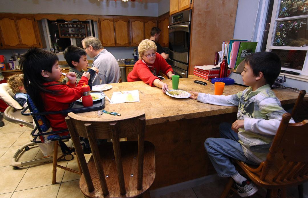Simon family - dinnertime