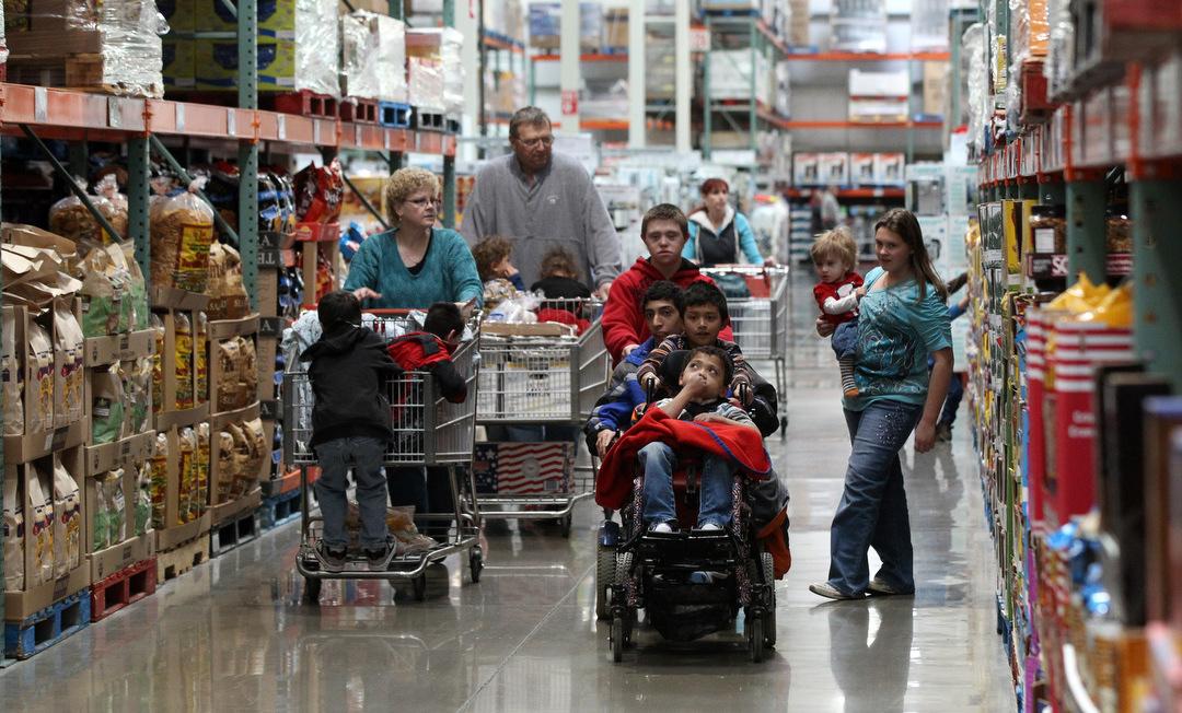 Simon family - costco shopping