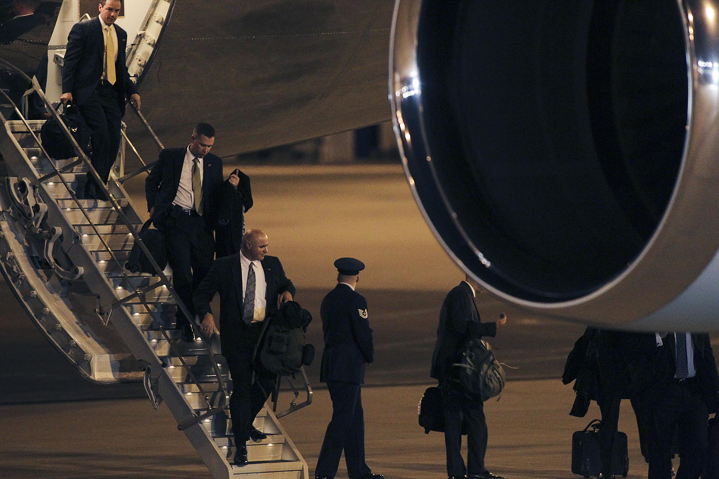 obama_arrives2012.05