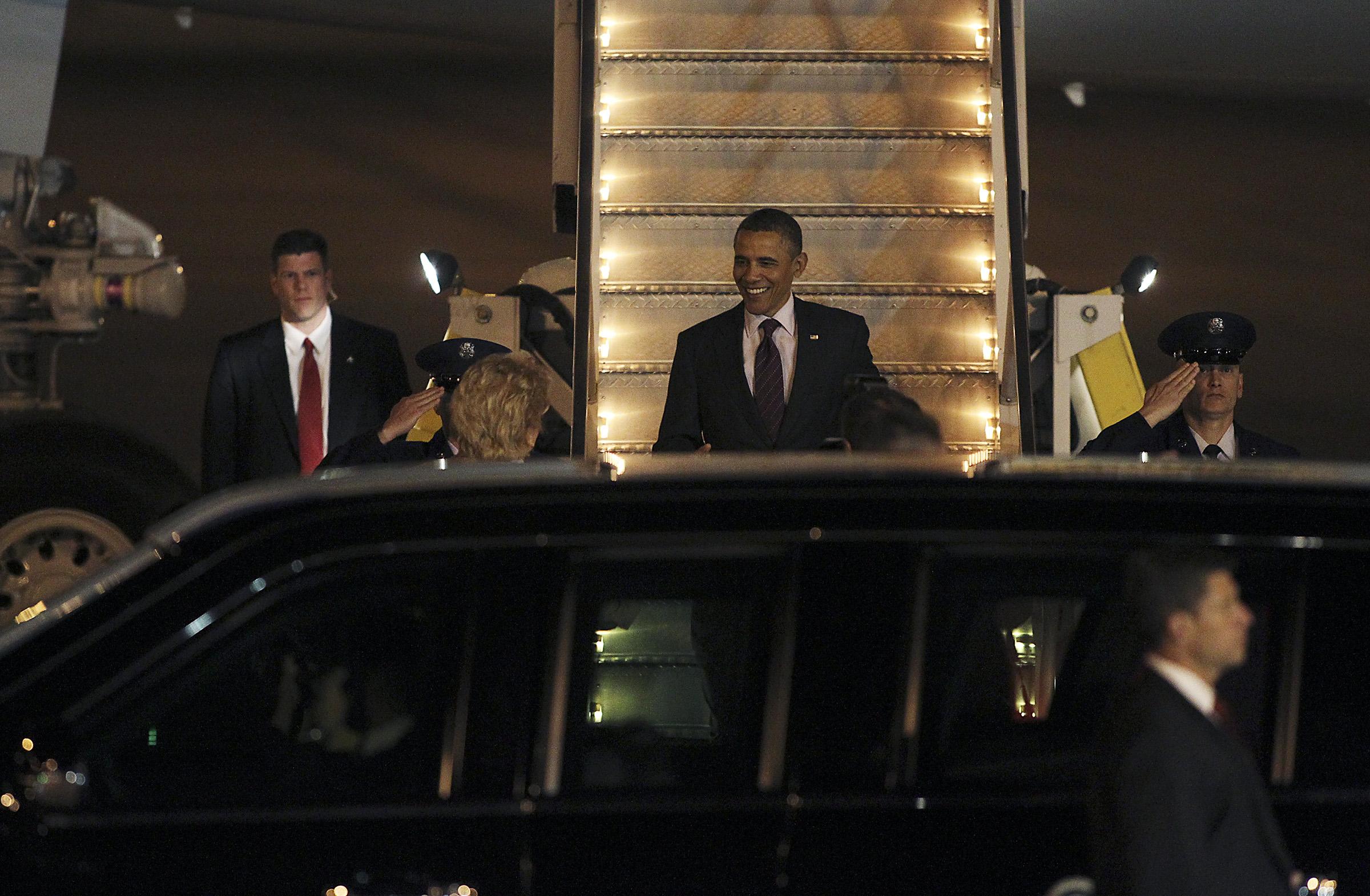 obama_arrives2012.09
