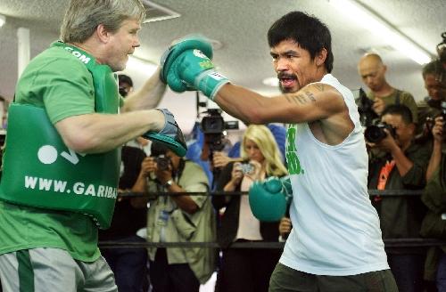 Pacquiao gets defensive to prepare for Bradley   Las Vegas