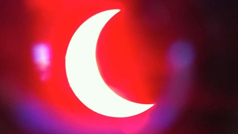 solar_eclipse_short_p