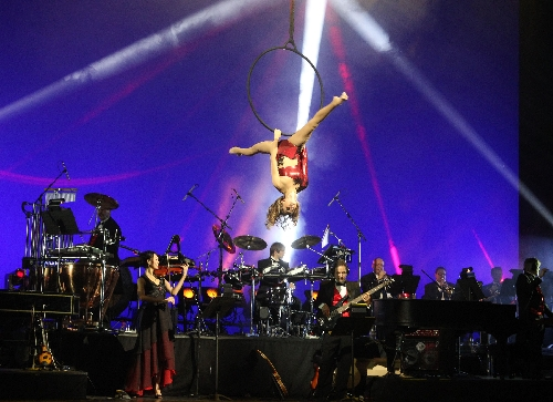 Mannheim Steamroller Christmas' equals live mall music – Las Vegas ...