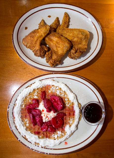 Soul Food Cafe Knows A Thing Or Two About Frying Las Vegas Review