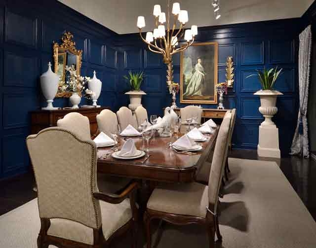 Charmant A Traditional Style Dining Room Is One Of The Vignettes Inside Stanley  Furnitureu0027s Showroom Inside