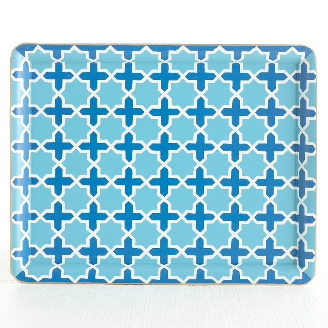 Two shades of blue and white were used to create a Mediterranean pattern for this serving tray.