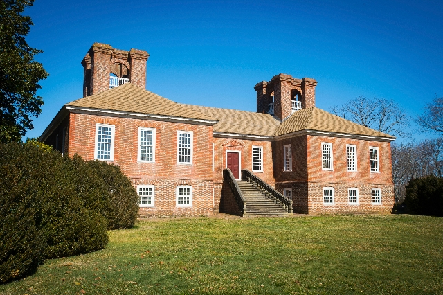 The Great House, the centerpiece of the 1,900-acre Stratford Hall Plantation, was built in the late 1730s by Thomas Lee, great-great-uncle of Robert E. Lee.