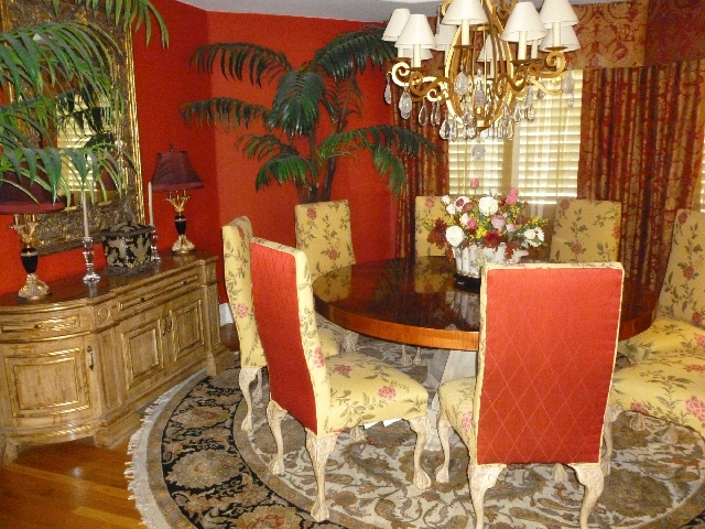 The color red has been said to stoke appetite, making it an ideal choice for dining rooms.