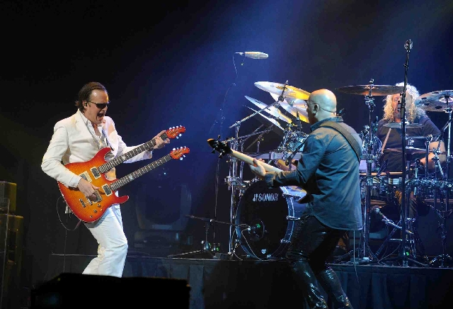 Joe Bonamassa played to a sold-out crowd Saturday at the Palms' Pearl.