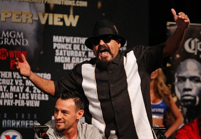 "Ruben Guerrero says, ""We're here for one thing - win that title and hand Mayweather his first loss"" on Saturday."