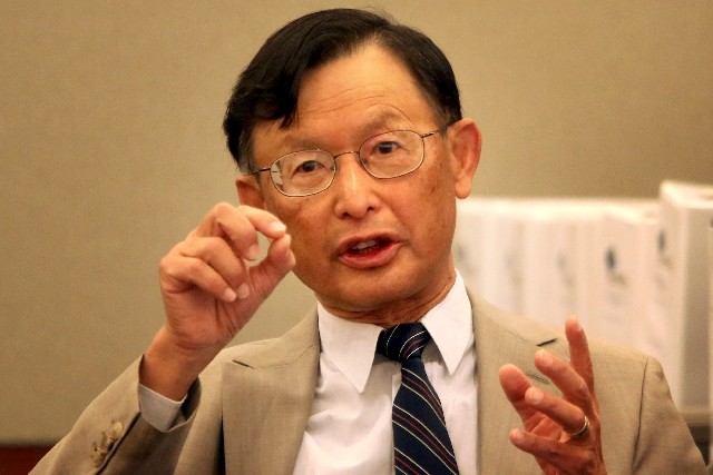 Dr. James Tong, director of the Center of East Asian Studies at UCLA, speaks Monday in Clark County Regional Justice Center. Tong is an expert witness for Hong Kong businessman Richard Suen. Suen  ...