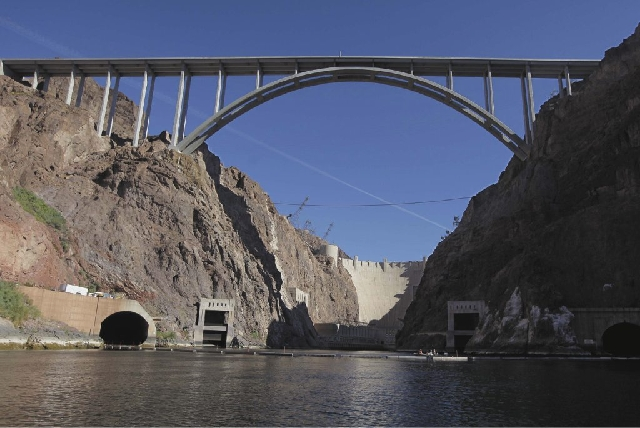 Man who jumped from Hoover Dam bypass bridge identified | Las Vegas