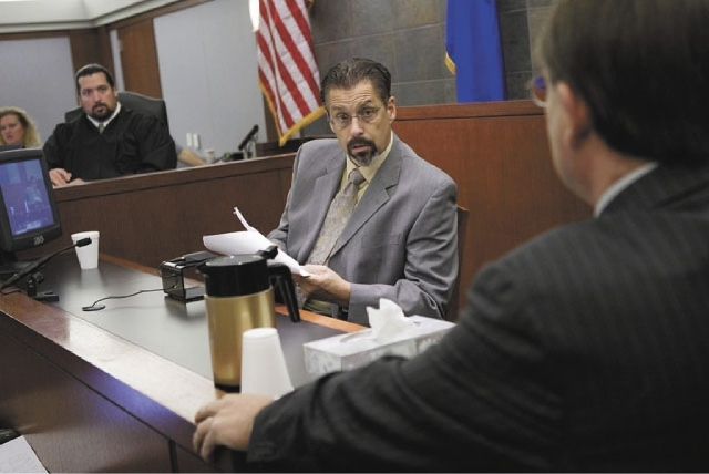 Sports memorabilia dealer Bruce Fromong testifies in court at the during the preliminary hearing of O.J. Simpson in November 2007.