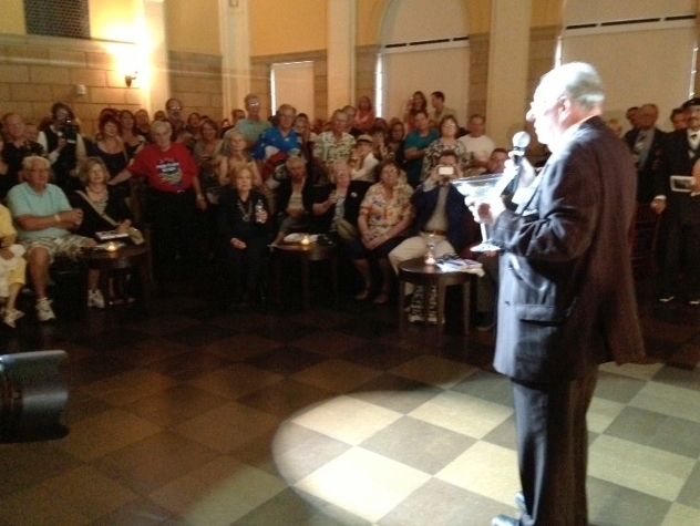 Oscar Goodman speaks to a crowd that turned out Thursday in the old federal courtroom that now is part of the Mob Museum.