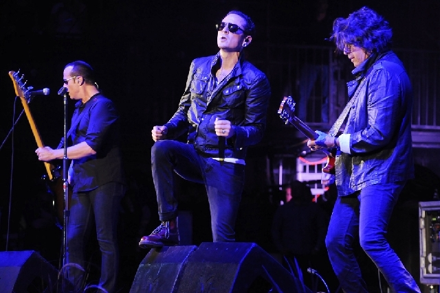 Stone Temple Pilots performs at the 2013 KROQ Weenie Roast at the Verizon Wireless Amphitheatre in Los Angeles on May 18. Stone Temple Pilots have accused the band's former frontman Scott Weiland  ...