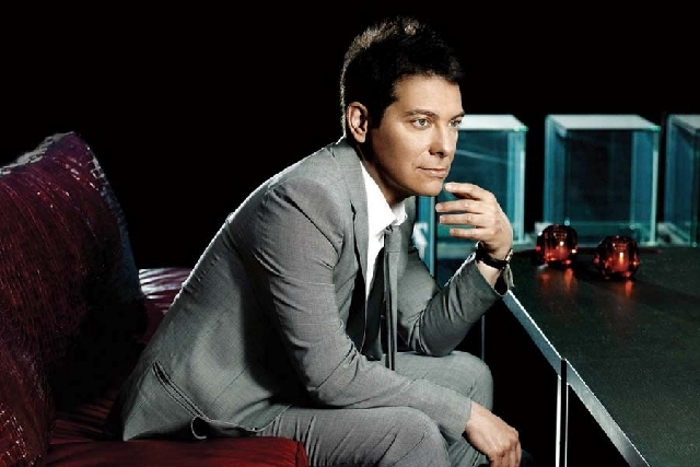 """Singer and pianist Michael Feinstein will perform """"The Gershwins and Me"""" on Nov. 16 as part of The Smith Center's """"Best of the New York Stage"""" concert series."""