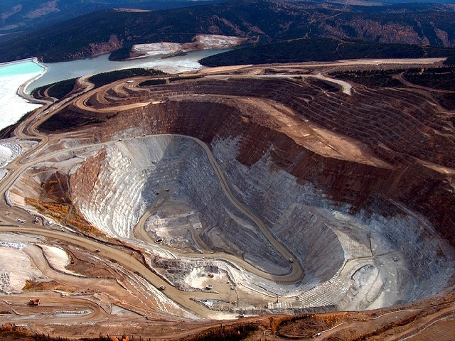This September, 2005 file photo provided by Fairbanks Gold Mining, Inc. shows mining at the Fort Knox Mine, which is currently the largest operating gold mine in Alaska.  A new study based on obse ...