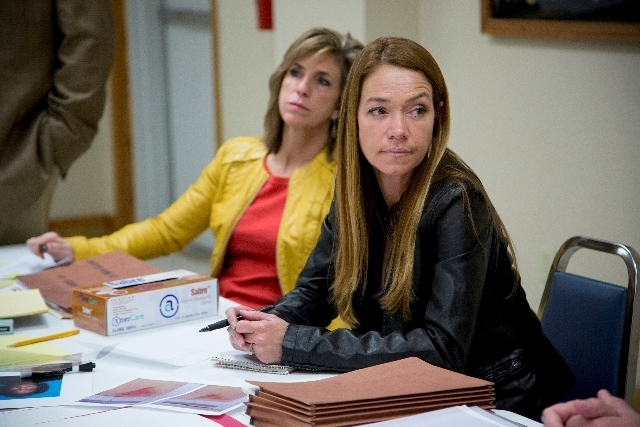 """In """"Cold Justice,"""" Las Vegan Yolanda McClary is paired with former Texas prosecutor Kelly Siegler, left, for an """"unscripted procedural drama."""""""