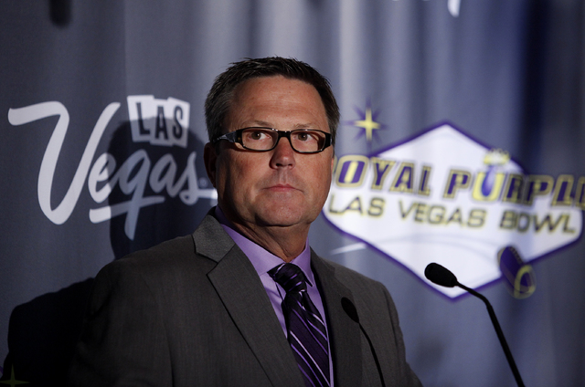 Dan Hanneke, Executive Director of the Las Vegas Bowl, speaks at a luncheon for the Las Vegas Bowl in Las Vegas Wednesday, Sept. 25, 2013.  (John Locher/Las Vegas Review-Journal)