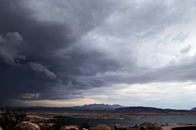 Monday storm as it approached Lake Mead. (Courtesy Glenn Gove)