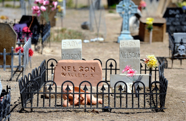 A faux cemetery is seen in front of Bryan and Dusty Schoening's Pahrump home, Coffinwood. (David Becker/Las Vegas Review-Journal)