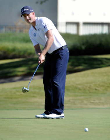 Webb Simpson putts during the third round of the Shriner Hospital for Children Open at the TPC Summerlin on Saturday, Oct. 19, 2013. (David Becker/Las Vegas Review-Journal)