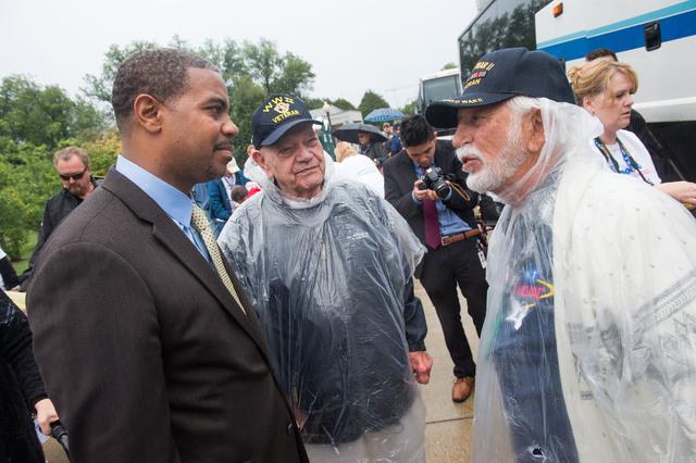 Representative Horsford speaks with World War II Veterans Ed Turken and Richard Shorr, Saturday October 12, 2013 at the World War II memorial in Washington DC. (Lisa Helfert/Special to the Las Veg ...