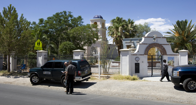The former residence of pop superstar Michael Jackson, at 2710 Palomino Lane in Las Vegas, is shown Saturday, June 27, 2009. Five security guards, including two supervisors who declined to give th ...