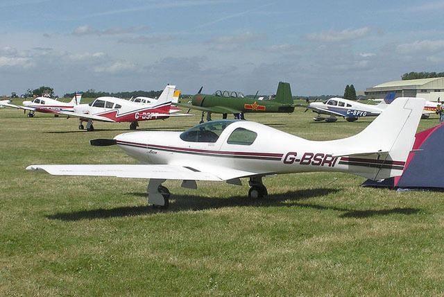A Lancair 0-235, the type of plane that reportedly crashed into a home in Oregon, is shown in this photo. (Courtesy)