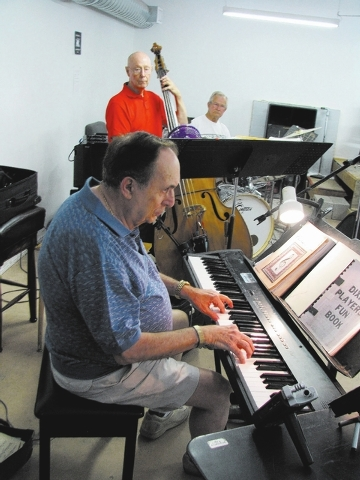 Pianist Ron Simone leads a jam session at local musician Jim Hemming's home. (F. Andrew Taylor/View)