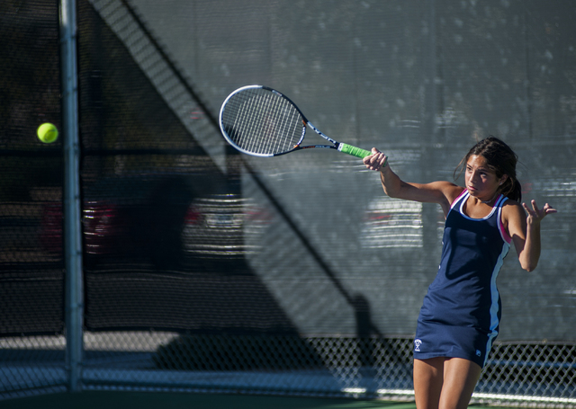 The Meadows' Abbigail Klein hits a forehand during the NIAA Division I-A girls singles championship. (Martin S. Fuentes/Las Vegas Review-Journal)