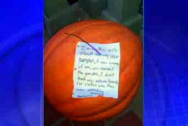 """The thief also left a note saying: """"I'm really sorry about taking your pumpkin, it was wrong of me, you earned the pumpkin, I didn't think my actions through nor realize who they were affect ..."""