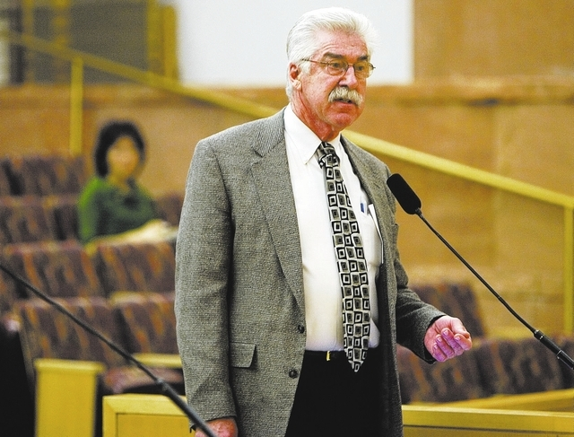 RJ FILE*** CLINT KARLSEN/REVIEW-JOURNAL Dale Carrison, chairman of emergency medicine at University Medical Center, appears before the Clark County Commission during a hearing on UMC's financial s ...