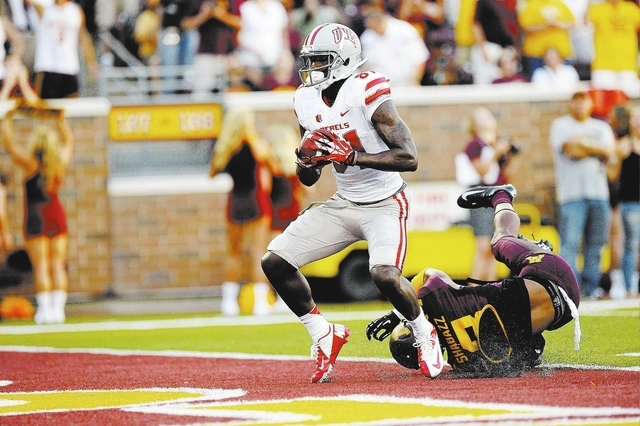 UNLV wide receiver Devante Davis scores a touchdown against Minnesota at TCF Bank Stadium in Minneapolis on Aug. 29. (Josh Holmberg/Las Vegas Review-Journal)