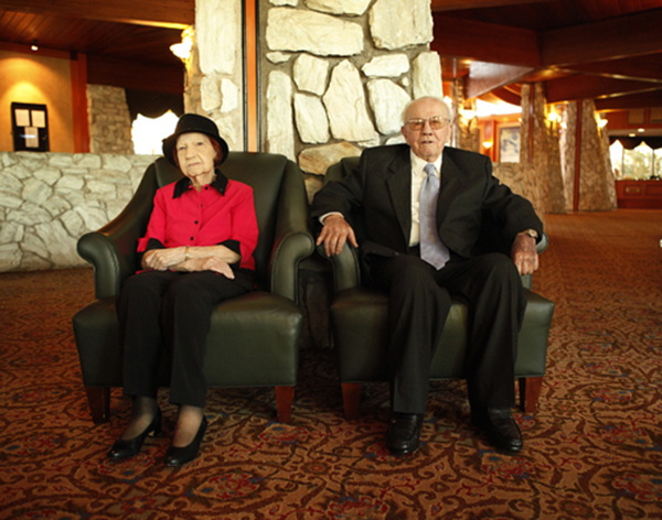 Theresa Faiss, 96, and her husband Wilbur, 100, pose for a photo at the Las Vegas Country Club on Jan. 24, 2012. (John Locher/Las Vegas Review-Journal)