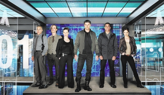 ALMOST HUMAN: Cast L-R: Michael Irby, Mackenzie Crook, Lilli Taylor, Karl Urban, Michael Ealy and Minka Kelly. ALMOST HUMAN will have a special two-night series premiere on Sunday, Nov.17 and Mond ...