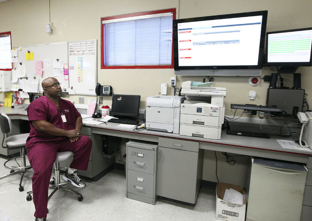 Sid Butler, hospital service technician 4, monitors a computer screen showing blood orders from hospitals at United Blood Services in Las Vegas, Monday, Nov. 11, 2013. (Jerry Henkel/Las Vegas Revi ...