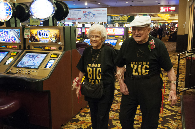 Edna Owings, 101, and her husband Harold, 102, celebrate their 82nd wedding anniversary at Palace Station hotel-casino in Las Vegas on Tuesday, Nov. 26, 2013. (Erik Verduzco/Las Vegas Review-Journal)