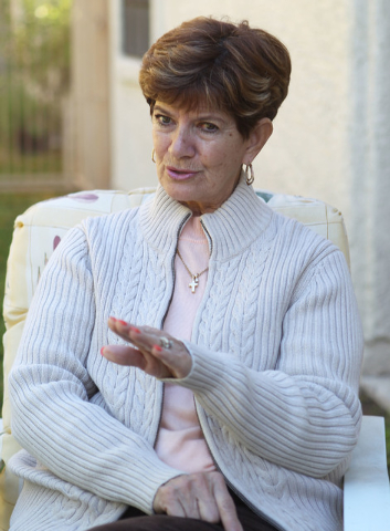 Shirley Newsham, of Las Vegas, discusses Sandi Niccum's painful experiences with the Veterans Administration while talking to a reporter in Las Vegas, Monday, Nov. 25, 2013. (Jerry Henkel/Las Vega ...