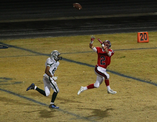 Liberty's Drew Hadlek (2) catches a pass while playing against Green Valley during the Division I Sunrise Region championship game at Liberty High School in Henderson on Friday, Nov. 22, 2013. (Ch ...