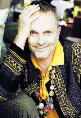 Miguel Bose is this year's Latin Recording Academy Person of the Year. Martin, Juanes and Laura Pausini will team up to pay tribute to him.