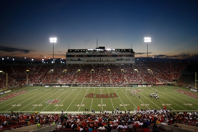 Sam Boyd Stadium is home to the Las Vegas Bowl, which UNLV has played in twice, winning in 1994 and 2000. (Las Vegas Review-Journal file)