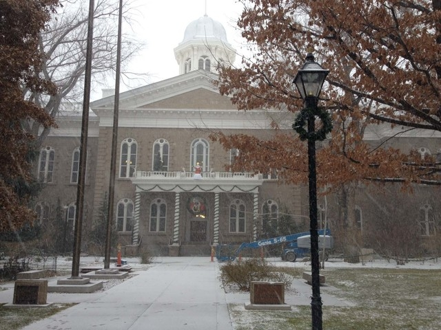 A dusting of snow covers the walk leading to the Capitol in Carson City on Tuesday. (SEAN WHALEY/LAS VEGAS REVIEW-JOURNAL)