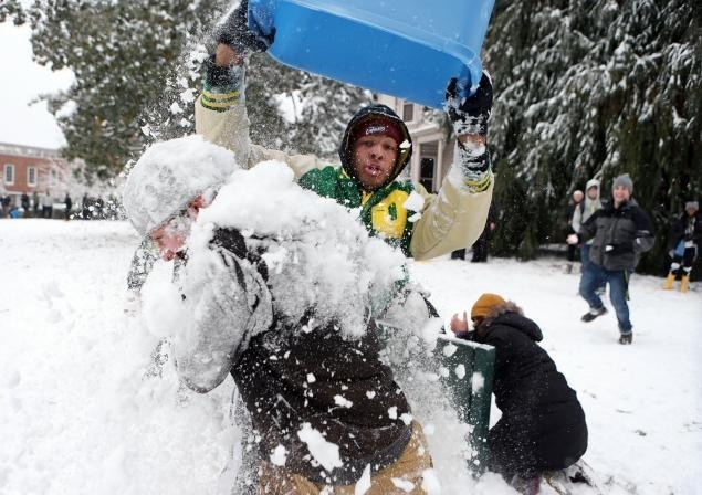 Pharaoh Brown (pictured) takes things way too far during a University of Oregon snowball fight and gets suspended for the Alamo Bowl as a result. (Chris Pietsch/Associated Press)