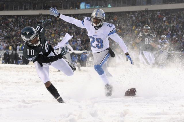 Philadelphia Eagles' DeSean Jackson, left, cannot pull in a pass for a two-point conversion as Detroit Lions' Chris Houston defends during the second half of an NFL football game, Sunday, Dec. 8,  ...